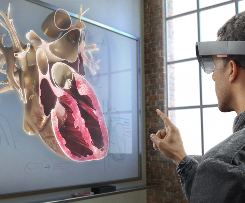 How-Microsofts-HoloLens-is-Changing-Medicine-and-Surgery